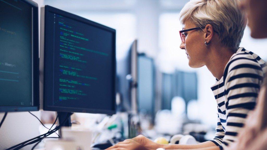 female programmer data